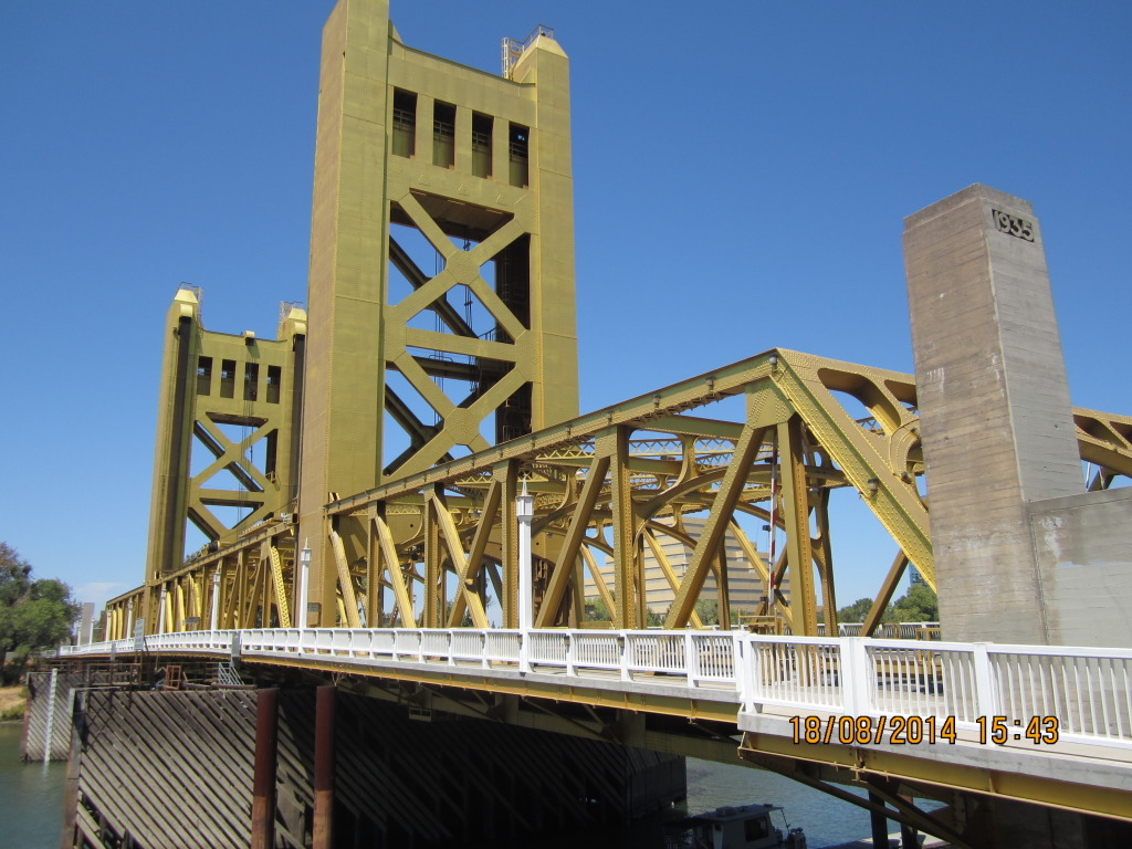 Sacramento's Iconic Art Deco Tower Bridge, Photo by Albert Bolter